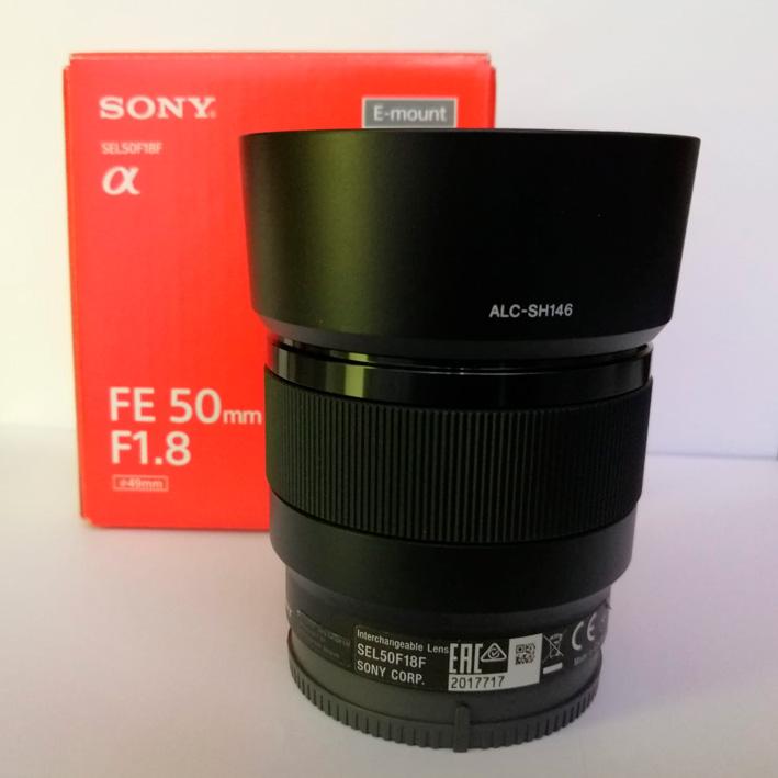 Sony-SEL50F18_01_